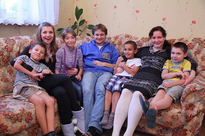 волонтеры и сироты