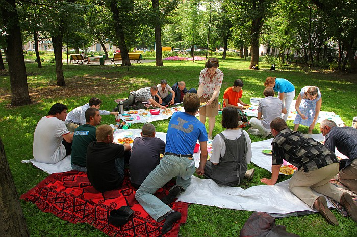 Даниловцы помогают бездомным